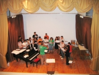 VACACIONES EN GRAUS ( II ) Encuentro del Coro Joven de la COACE